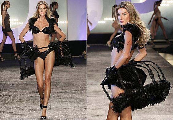 Gisele Bündchen desfilando sua coleção de lingerie em São Paulo