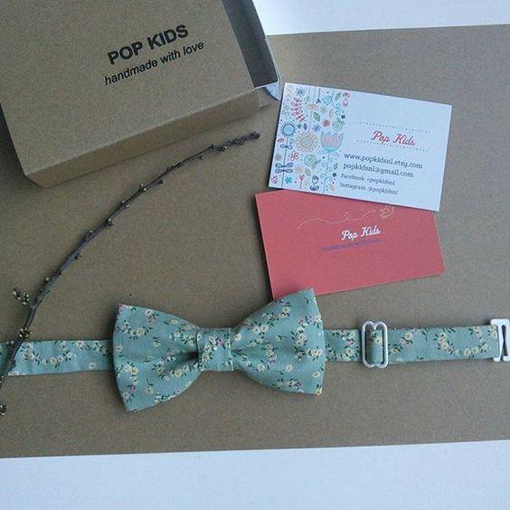 This spring bow tie is on his way to a new home, enjoy!  #bowtie #flowerbowtie #vlinderdas #bruiloft #springvlinderdas #neworder  #thankyou  #kinderenvlinderdas  #dreamingofspring  #rainythursday  #dinsdagbestelling