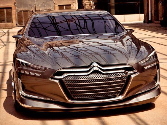 Citroën Metropolis Concept 2010 in Shanghai cept-cars qui ont marqué l'automobile Innovants par leur technologie ouavant-gardistes par leur design, cesconcept-cars français ont marqué leur temps etinspiré denombreux modèles desérie.