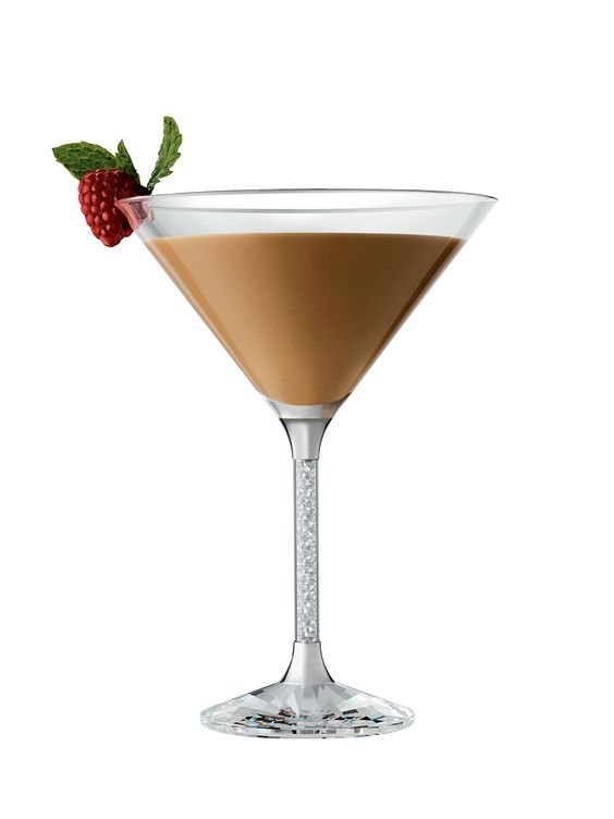 Godiva chocotini 1 oz godiva chocolate liqueur 25 oz for Flavored vodka martini recipes