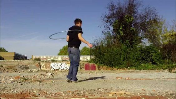 Nick Broyd - Hooping - The Drop - lots of crazy moves here... 0:19 Vertical Duckouts   0:52 Cool little Spin 2:00 Axis spin tosses  2:07 More vertical duckouts/ins 3:11 Double hoop drop spin thing? 3:44 Twin Roll-WTF?   4:03 Foot Wedgie Thing