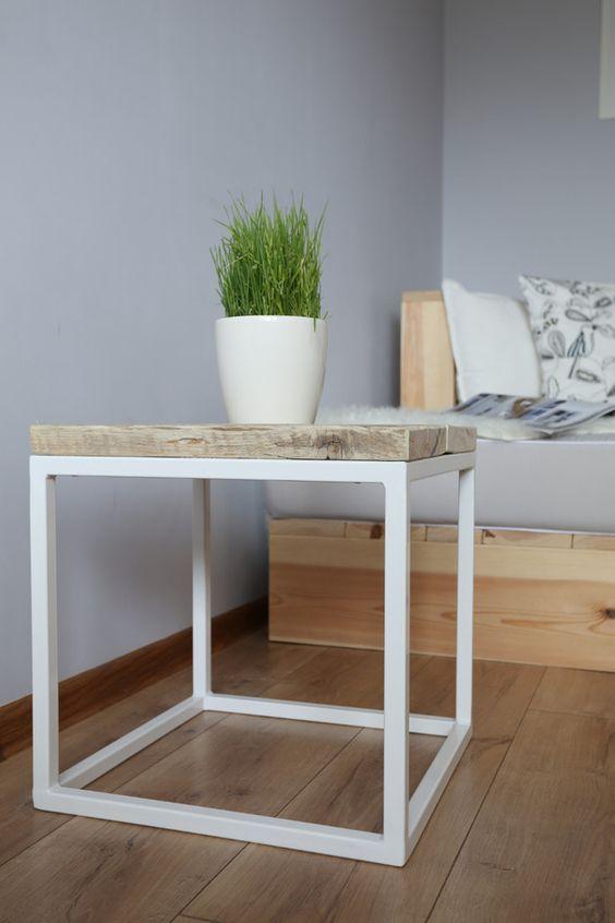 Couchtisch im geometrischen und minimalen Design / coffee table ...