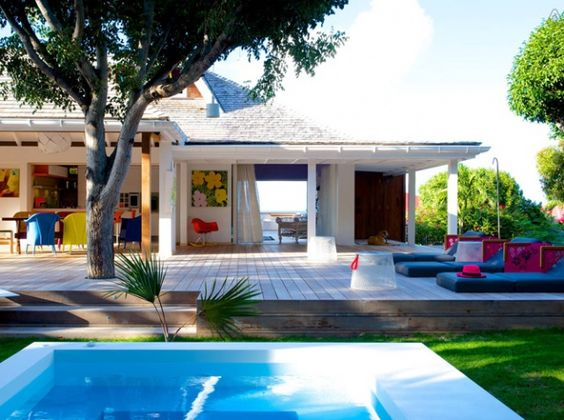 Villas on pinterest for Maison moderne piscine