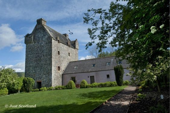 Reiver's Tower is the genuine article. Located 40 miles south of Edinburgh in the heart of the Scottish Borders.                               #Scotland #holiday #luxury #rental