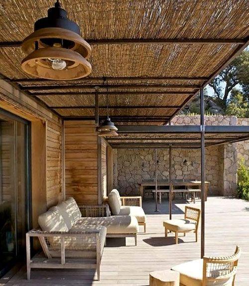 Les Canisses Pour Faire De L Ombre Pergolas Et Tonnelles A Faire Soi Meme Architecture En Bambou Construction En Bambou Canisse Bambou