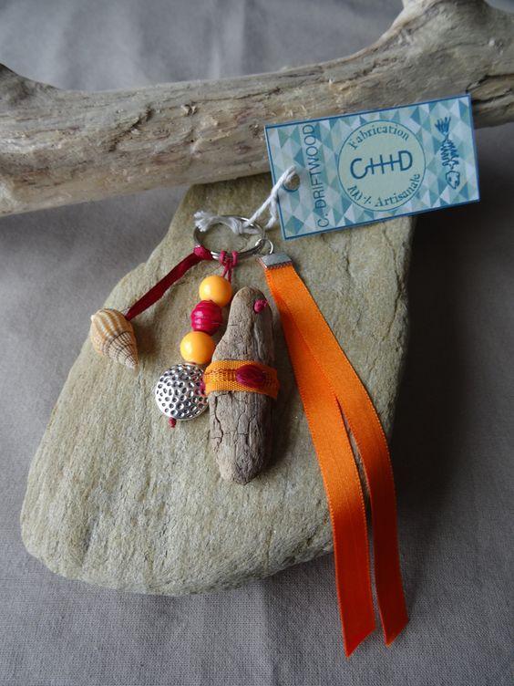 Porte cl s et ou bijou de sac en bois flott et coquillage - Porte cles en bois ...