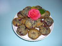 Vegan raspberry banana muffins