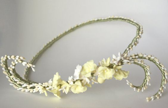 Bridal headpiece / Flowers and stamens crown by PapillonsDeLeticia