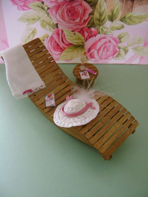 My Mini ABC: How to make a relaxer and table from lolly sticks - The Netherlands: