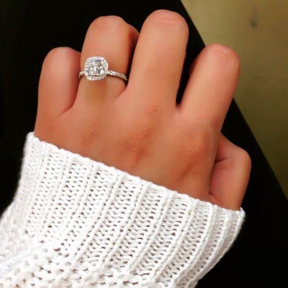 Meer dan 1000 ideeën over Verlovingsringen Kussen op Pinterest Moissanite