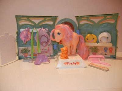 I want this.  MLP Vintage Pretty Parlor Play Set.