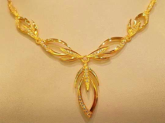 Gold Necklace Designs In Saudi Arabia Google Search Goldnecklace Gold Necklace Designs Gold Jewelry Fashion Gold Earrings Designs