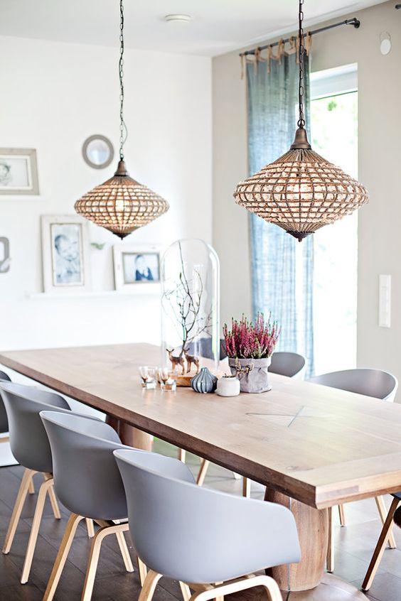 Licht an! | Moderne Esszimmer, Stühle und Heu