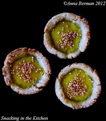 Pastel de nata: Portuguese and/or Chinese Egg Tarts #dessert