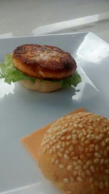 hambúrguer salmão chef Rodrigo Domingues