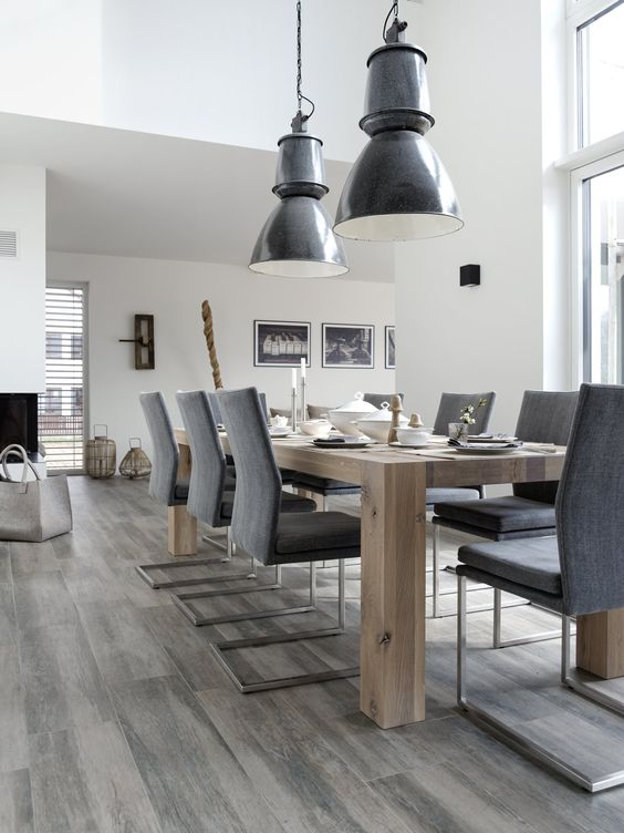 esszimmer mit alten industrieleuchten home pinterest esszimmer dekoration wohnzimmer und. Black Bedroom Furniture Sets. Home Design Ideas