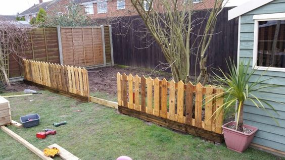 Pallet fence picket