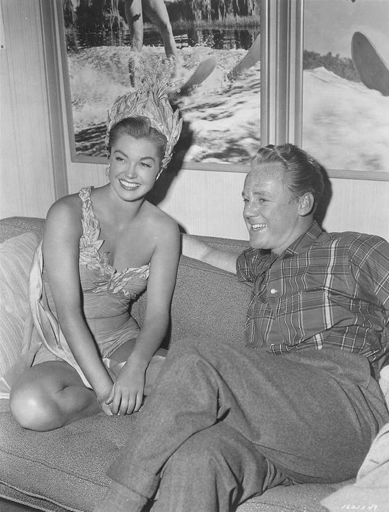 Esther Williams and Van Johnson