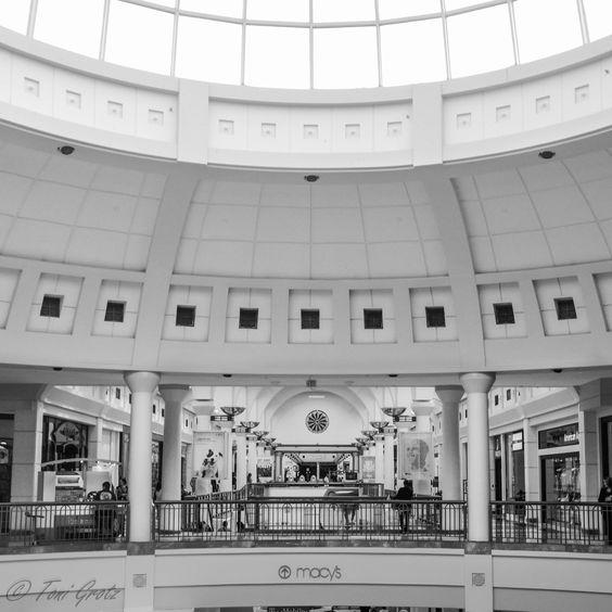 Menlo Park Mall, NJ