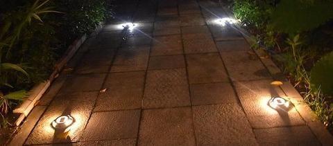Lampe Solaire Exterieure De Sol Deck Patio Terrasse Trendszy Lampes Solaires Eclairage Solaire Luminaire Solaire