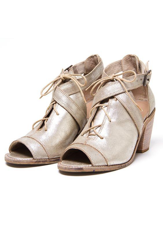 Open boot couro metalizado salto fachetado - Calçados