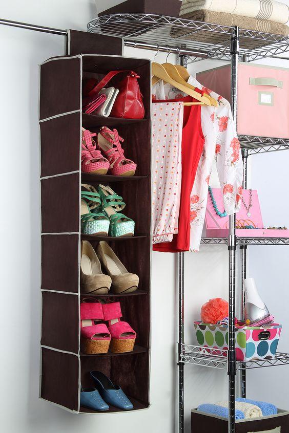Utiliza un organizador para acomodar tus zapatos y tener - Organizador de zapatos casero ...