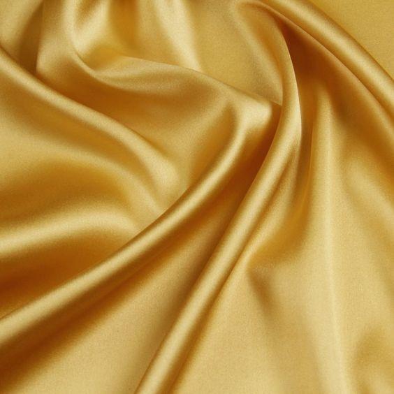 Satin de soie couleur jaune houblon
