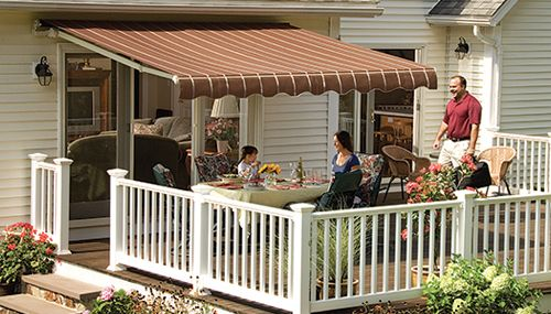 The Sunsetter Vista Awning Opens And Closes In Less Than A Minute Using A Hand Cranked Gear Mechanism A Full Featured Retractable Awning Patio Awning Awning