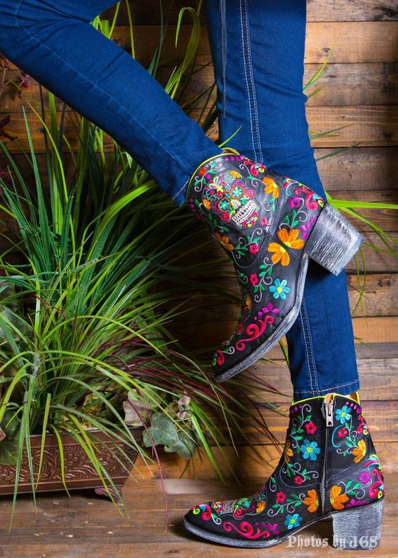 OLD GRINGO SUGAR SKULL KLAK Embroidered Ankle Cowboy Boots