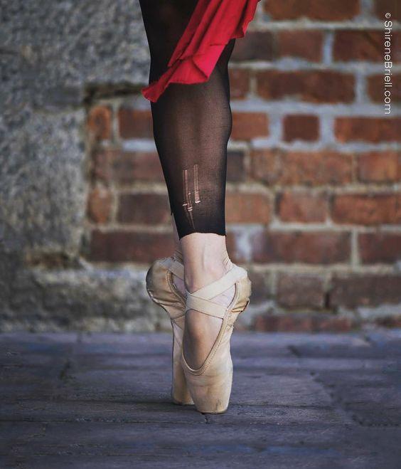 Ver esta foto do Instagram de @carriegillman #Ballet_beautie #sur_les_pointes *Ballet_beautie, sur les pointes !*