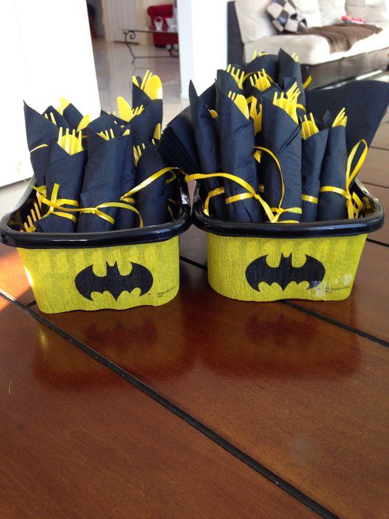 Love this idea for any superhero birthday party! #batman #Cute -♢                                                                                                                                                     More