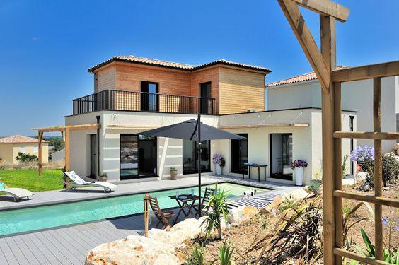 Maison ET piscine fait d'anciens conteneurs maritimes. Beaux résultat!