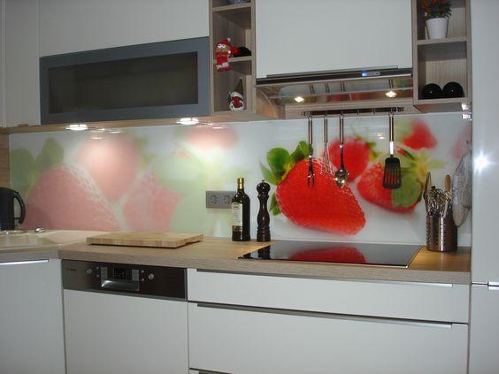 Ein richtiger Hingucker! Eine Küchenrückwand aus ESG Glas - wandpaneele küche glas