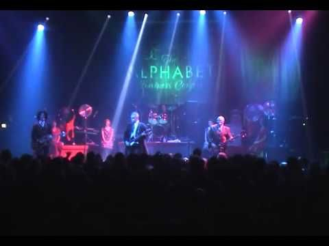 Cardiacs @ Astoria 2004 Part 1