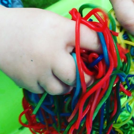 Sensory activities are important for children, giving them endless ways to develop and learn. Today  Alex and Max were honing their imagination with coloured spaghetti worms.  If you don't know how to dye spaghetti, here is how I did it. After rinsing cooked spaghetti in cold water, I have transferred the pasta in even portions to the prepared zip-top-bags and sealed. There was one bag for each colour and inside of each bag there was about 10 drops of food colouring and a bit of water. After…