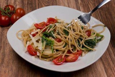 Spaghetti mit Spinat-Sahne-Soße - Gaumenfreundin - Foodblog aus Köln mit leckeren Rezepten von der schnellen Küche bis Low Carb