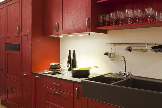 Une cuisine en ch ne massif patin rouge cuisine - Renover une cuisine en chene massif ...