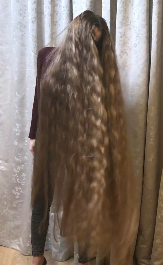 Video Definition Of Perfect Hair Long Hair Styles Long Blonde Hair Super Long Hair