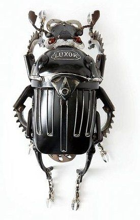 Edouard Martinet transforms everyday objects found in flea-markets and car boot sales into works of art. Working with a variety of refuse materials such as rusted kitchen pans, typewriter keys, car lights and other scrap metals, Edouard Martinet sculpts several types of animals and insects.