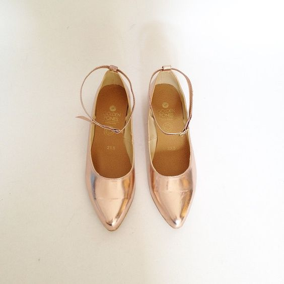 Mia pointed faux leather flats in Rose  gold, shop link at profile!
