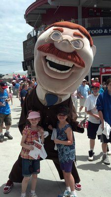 Olivia and Caroline with Teddy @Nationals