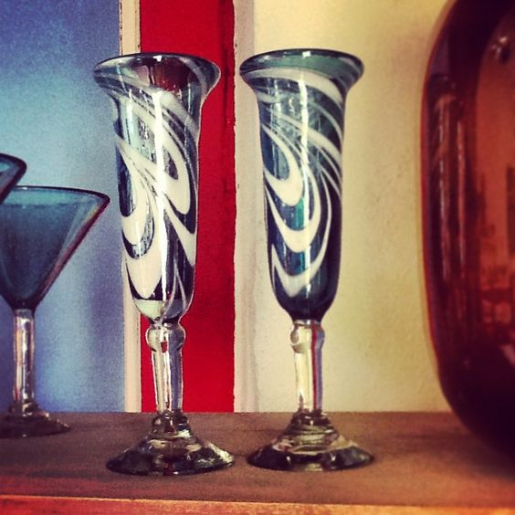 Champagne flutes flute and blown glass on pinterest - Hand blown champagne flutes ...