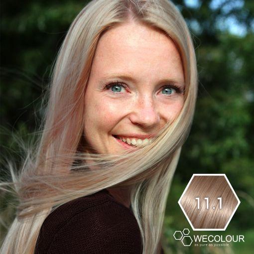 Een mooie, zomerse kleur is onze zeer licht asblond (11.1) Highlift is trendy #11.1 #haarkleuring #geenammonia #geenppd www.wecolour.com