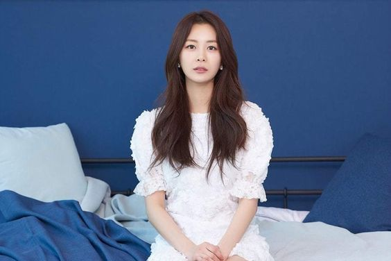 Song Da Eun Shuts Down Rumors Claiming She Has Ties To Burning Sun Due To Her Friendship With Seungri