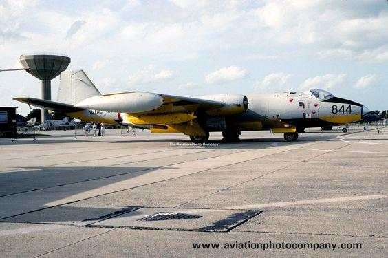 Royal Navy FRADU English Electric Canberra TT.18 WJ874 (1992)
