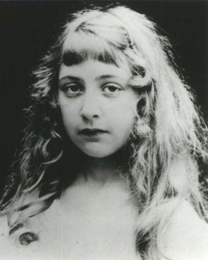 agatha christie | Agatha Christie, reine du crime mais pas que… | Folie Vintage ...
