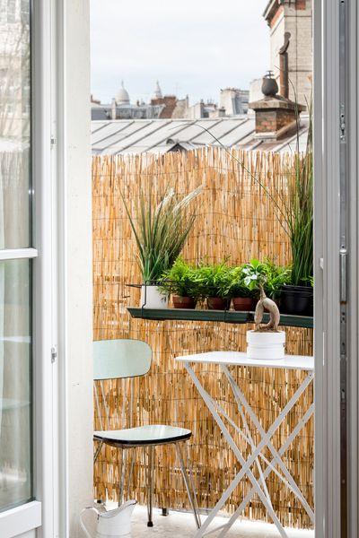 Home staging avant-vente d'un appartement de 45 m2 réalisé par Jennifer Decaux FOUR LIONS www.fourlions-paris.com contact : 06 42 20 53 45 /// j.decaux@fourlions-paris.com VENDU ET VALORISE PAR FOUR LIONS  Paris X - Louis Blanc - Situé à l'étage noble d'un immeuble de belle facture.