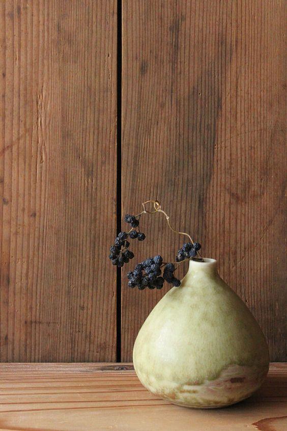Brown & green egg shaped small vase by Mayumi Yamashita Ceramics based in Kanagawa, Japan