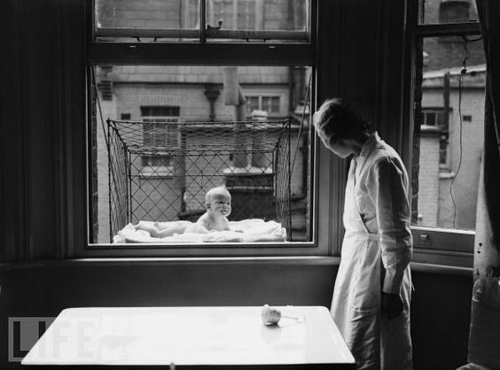 Baby Cage, 1937