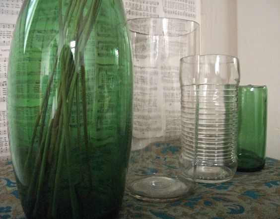 The Thrillz of Hillz: Make Something: Simple Glass Cutting: Cut Bottles, Diy Crafts, Projects Crafts, Cutting Glass Bottles, Wine Bottle, Diy Crafty